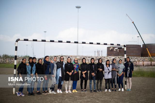 سه روز با بانوان فوتبالیست ملوان، انزلی چی ها سرود قهرمانی می خوانند