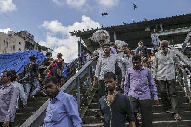 بانک های هند احتمالا از مشتریان بخواهند دین خود را ذکر نمایند!