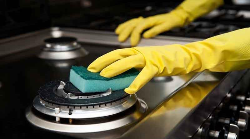تمیز کردن اجاق گاز با استفاده از مواد طبیعی در خانه