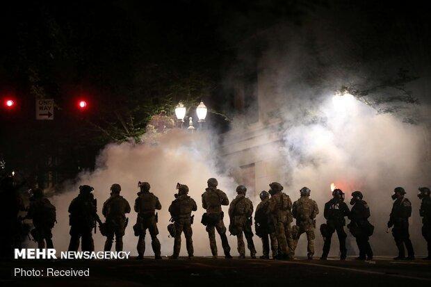 تجمع معترضین آمریکایی در پورتلند به آشوب کشیده شد
