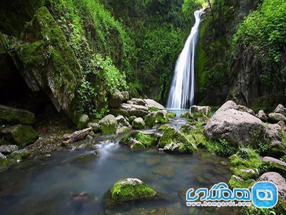 آبشار رنگو گرگان؛ زیبایی افسونگر در بطن گلستان