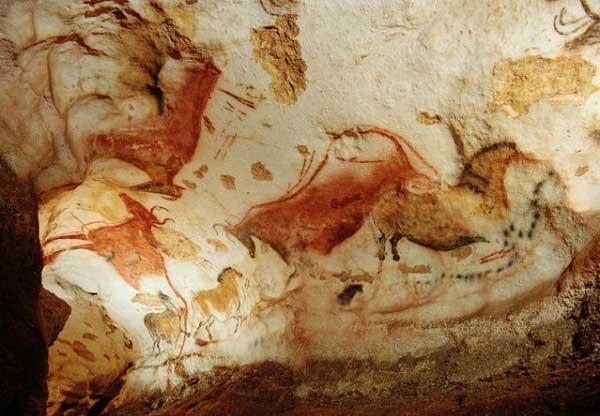 نقاشی مسحورکننده بر روی دیوار یک غار