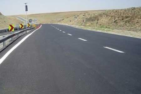 انسداد 12 جاده به دلیل کاهش ایمنی جهت ، آسمان صاف در اغلب جاده ها