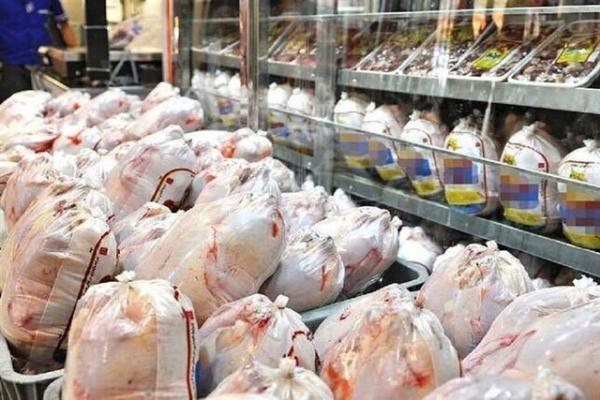 مرغ بیش از نیاز در بازار موجود است