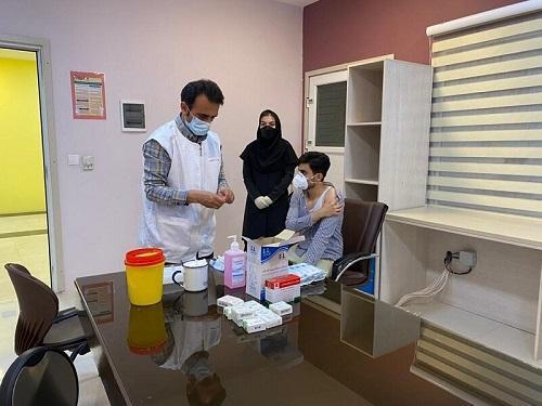 35 دانشجوی گروه پرستاری دانشگاه آزاد تاکستان واکسینه شدن