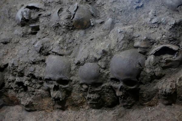 تور مکزیک: برجی از جمجمه انسان ها در مکزیک کشف شد
